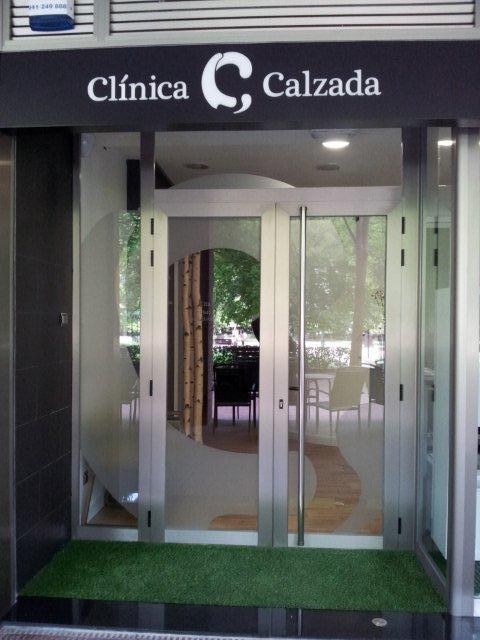 Acceso Clinica Calzada Estudio decoración y diseño de interiores JF interiorismo Logroño Decoradores