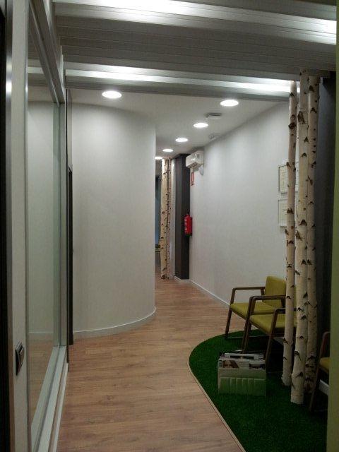 Espera-pasillo-ClinicaCalzada-JFinteriorismo-Logroño-Decoradoes