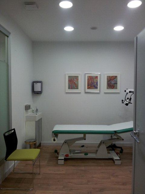 Sala exploración Oído - Clinica Calzada Estudio decoración y diseño de interiores JF interiorismo Logroño Decoradores